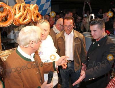 Alfons Schuhbeck Photo - Andreas Gabalier Balthasar Hauser Alfons Schuhbeck Arnold Schwarzenegger bei der 23 Weisswurstparty beim Stanglwirt in Going am 24012014 Credit Kirschnerface to face