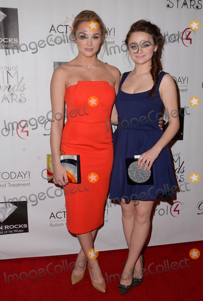 Hunter King Photo - 25 October - Westlake Village Ca - Hunter King Joey King Arrivals for  the 10th Annual Denim Diamonds and Stars Gala for Autism held at Four Seasons Hotel Photo Credit Birdie ThompsonAdMedia