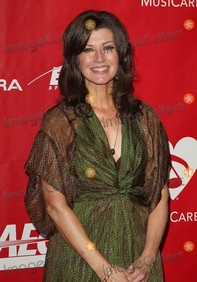 Amy Grant Photo - 24 January 2014 - Los Angeles California - Amy Grant 2014 MusiCares Person Of The Year Honoring Carole King held at the Los Angeles Convention Center Photo Credit Kevan BrooksAdMedia