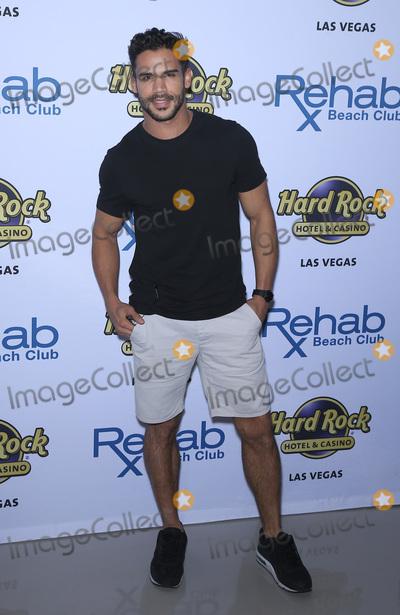 Austine Mahone Photo - 08 April 2017 - Las Vegas Nevada - Willie Gomez Austin Mahone celebrates his 21st birthday at Las Vegas hottest dayclub REHAB Beach Club at Hard Rock Hotel  Casino Photo Credit MJTAdMedia