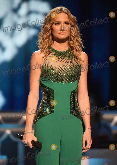 Jennifer Nettles Photo - 07 November 2015 - Nashville Tennessee - Jennifer Nettles 2015 CMA Country Christmas held at the Grand Ole Opry House Photo Credit Laura FarrAdMedia
