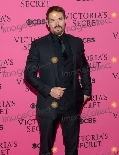 Victorias Secret Photo - November 11  2015 - New York NY - Kellan Lutz 2015 Victorias Secret Fashion Show Pink Carpet Photo Credit Mario SantoroAdMedia