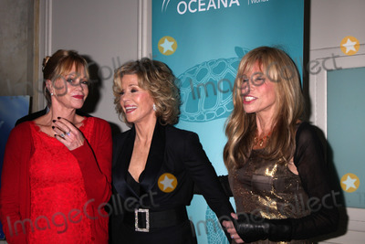 Melanie Griffiths Photo - Melanie Griffith Jane Fonda Carly Simonat the 2013 Oceanas Partners Awards Gala Beverly Wilshire Hotel Beverly Hills CA 10-30-13