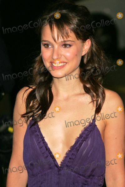 Natalie Portman Photo - Natalie Portman at the Closer Premiere Mann Village Theatre Westwood CA 11-22-04