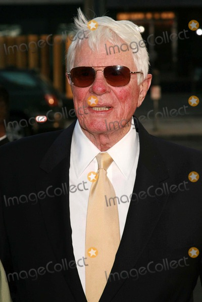 Peter Graves Photo - Peter Gravesat the premiere of Hollywoodland Academy of Motion Picture Arts and Sciences Beverly Hills CA 09-07-06