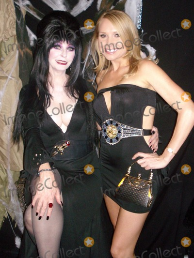 Elvira Photo - Elvira and Alana CurryAt the Costume Couture Fashion Show Boulevard3 Hollywood CA 10-24-07