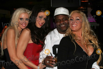 Aries Spears Photo - Tawny Roberts Jesica Jaymes Aries Spears and Mary Carey at adult film star Jessica Jaymes Birthday Party Vine Street Lounge Hollywood CA 03-05-05
