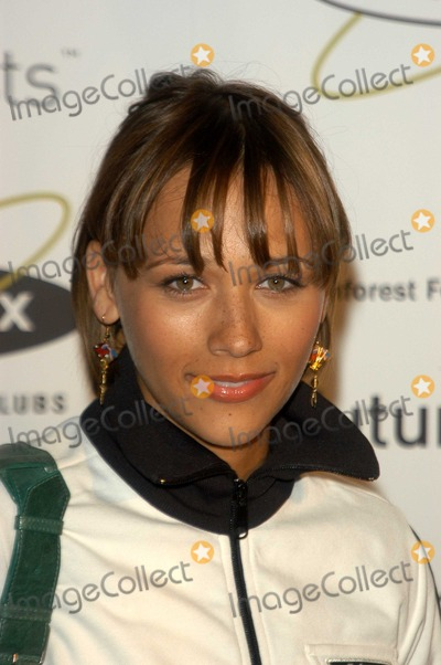 Rashida Jones Photo - Rashida Jones at the grand opening of the first Los Angeles Equinox Fitness Club benefitting the Rainforest Foundation and Futureforests Equinox West Hollywood CA 09-10-03