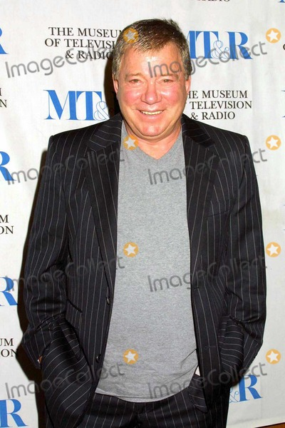 William Shatner Photo - William Shatner at the 21st Annual William S Paley Television Festival honoring William Shatner at the Directors Guild of America Los Angeles CA 03-10-04