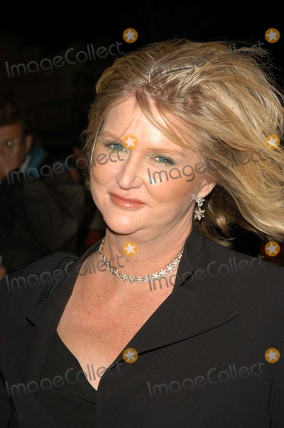 Dennie Gordon Photo - Dennie Gordon at the very windy premiere of Warner Bros What A Girl Wants at the Cinerama Dome Hollywood CA 03-27-03