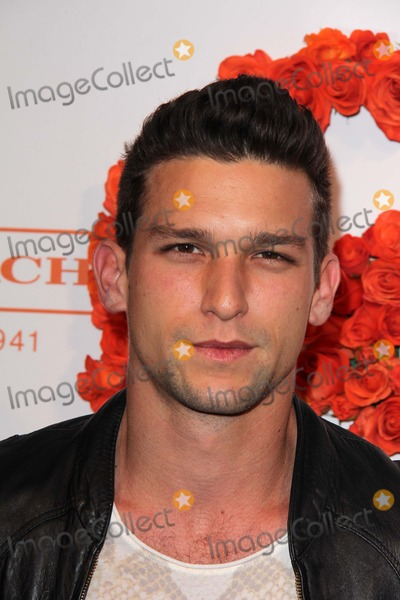 Daren Kagasoff Photo - Daren Kagasoffat Coachs 3rd Annual Evening of Cocktails and Shopping benefitting  the Childrens Defense Fund Bad Robot Santa Monica CA 04-10-12