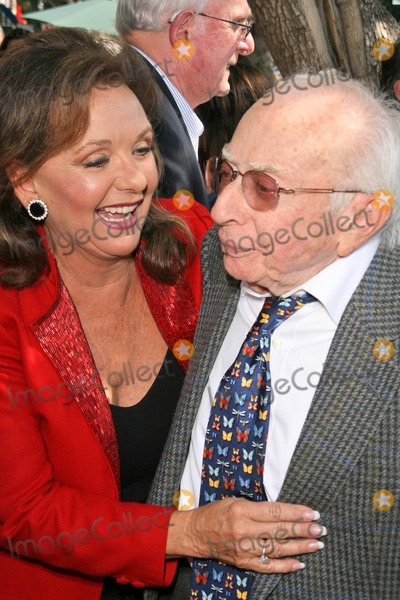Dawn Wells Photo - Dawn Wells and Sherwood Schwartz at the Hollywood Walk of Fame Ceremony Honoring Sherwood Schwartz Hollywood Boulevard Hollywood CA 03-07-08