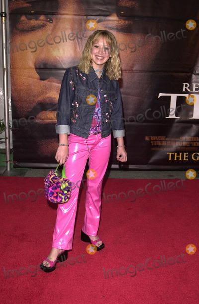 Hilary Duff Photo -  Hilary Duff at the premiere of Disneys Remember the Titans at the Rose Bowl Pasadena 09-23-00