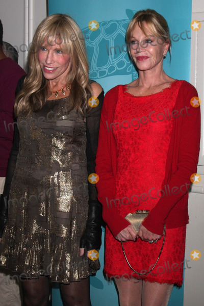 Melanie Griffiths Photo - Carly Simon Melanie Griffithat the 2013 Oceanas Partners Awards Gala Beverly Wilshire Hotel Beverly Hills CA 10-30-13