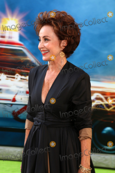 Annie Potts Photo - Annie Pottsat the Ghostbuster Premiere TCL Chinese Theatre Hollywood CA 07-09-16