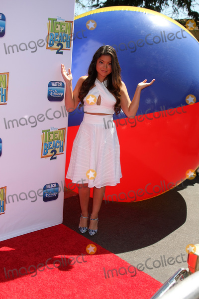 Piper Curda Photo - Piper Curdaat the Teen Beach 2 Premiere Walt Disney Studios Burbank CA 06-22-15