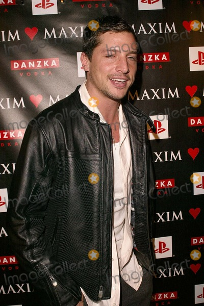 Simon Rex Photo - Simon Rex at the Maxim Magazine Celebrates Love On Valentines Day in the Papaz Nightclub Hollywood CA 02-14-04