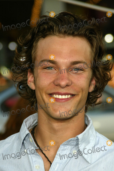 Kyle Schmid Photo - Kyle Schmidat the World Premiere of Warner Bros The Sisterhood of the Traveling Pants at the Chinese Theater Hollywood CA 05-31-05