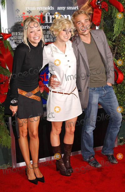 Alexandra Holden Photo - Alexandra Holden with Anna Faris and Joey Kernat the premiere of Just Friends Mann Village Theatre Westwood CA 11-14-05