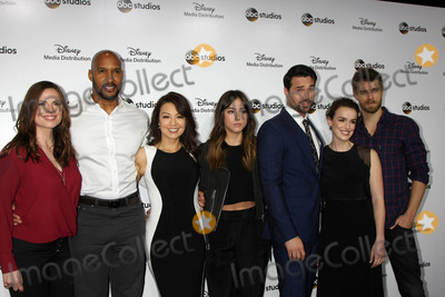 Henri Simmons Photo - Hayley Atwell Henry Simmons Ming-Na Wen Chloe Bennett Brett Dalton Elizabeth Henstridge Luke Mitchell at the ABC International Upfronts 2015  Disney Studios Burbank CA 05-17-15