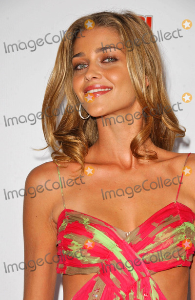 Ana Beatriz Barrosat the 2007 Sports Illustrated Swimsuit Issue Party. Pacific Design Center, West Hollywood, CA. 02-14-07 Photo - Ana Beatriz Barrosat the 2007 Sports Illustrated Swimsuit Issue Party. Pacific Design Center, West Hollywood, CA. 02-14-07