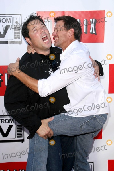 Greg Grunberg Photo - Greg Grunberg and James Denton at Band From TV Presented by Netflix Live The Autry National Center Of The American West Los Angeles CA 08-09-08