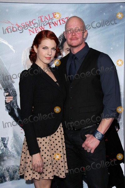 Derek Mears Photo - Derek Mearsat the Hansel  Gretel Witch Hunters Los Angeles Premiere Chinese Theater Hollywood CA 01-24-13