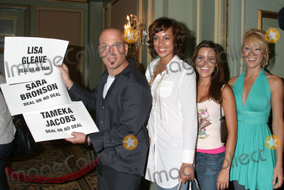 Sara Bronson Photo - Howie Mandel and DealNoDeal ModelsTameka Jacobs Sara Bronson and Lisa GleaveNBC TCA All Star PartyPasadena CAJuly 22 2006