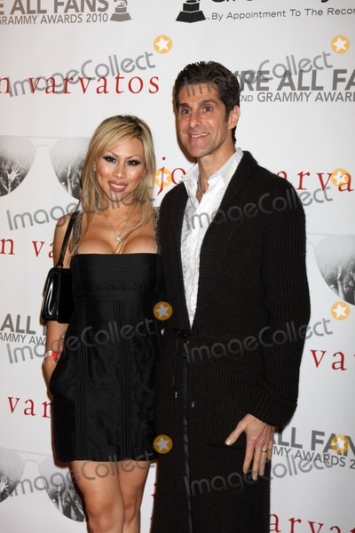 perry farrell and wife. Perry Farrell Guest arriving at the Were All Fans Event middot; Perry Farrell amp; Guest arriving at the quot;We#39;re All Fansquot; Event John Varvatos S..