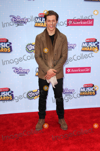Leo Howard Photo - LOS ANGELES - FEB 25  Leo Howard at the Radio DIsney Music Awards 2015 at the Nokia Theater on April 25 2015 in Los Angeles CA