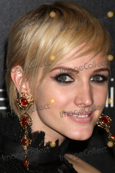Ashlee Simpson Wentz Photo - LOS ANGELES - NOV 2  Ashlee Simpson-Wentz arrives at the Decades Denim Fashion Show at Private Home on November 2 2010 in Beverly HIlls CA