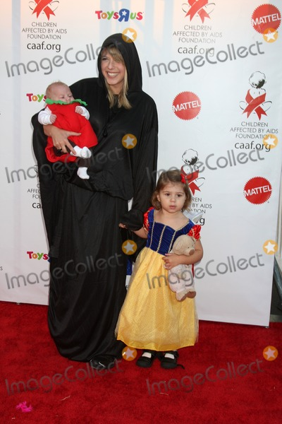 Jodie Sweetin Photo - LOS ANGELES - OCT 30  Jodie Sweetin children arrives at the 17th Annual Dream Halloween benefiting CAAF at Barker Hanger on October 30 2010 in Santa Monica CA