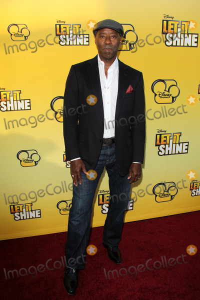 Courtney B Vance Photo - LOS ANGELES - JUN 5  Courtney B Vance arriving at the Premiere Of Disney Channels Let It Shine at DGA Theater on June 5 2012 in Los Angeles CA