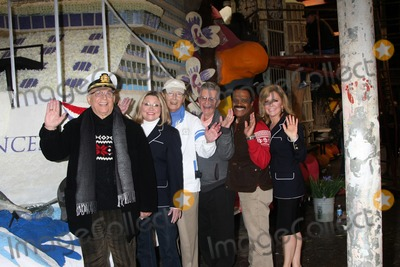Lauren Tewes Photo - LOS ANGELES - DEC 30  Gavin MacLeod Lauren Tewes Bernie Kopell Fred Grandy Ted Lange Jill Whelan at the Original Love Boat Cast decorates Princess Cruises Rose Parade Float at a Rosemont Pavilion on December 30 2014 in Pasadena CA