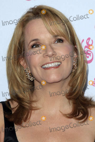 Lea Thompson Photo - LOS ANGELES - OCT 8  Lea Thompson at the 2016 Carousel Of Hope Ball at the Beverly Hilton Hotel on October 8 2016 in Beverly Hills CA