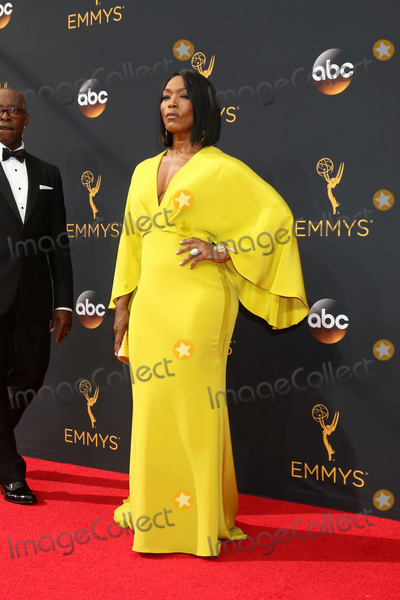 Angela Bassett Photo - LOS ANGELES - SEP 18  Angela Bassett at the 2016 Primetime Emmy Awards - Arrivals at the Microsoft Theater on September 18 2016 in Los Angeles CA