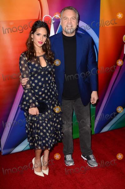 Adria Arjona Photo - LOS ANGELES - DEC 9  Adria Arjona Vincent DOnofrio at the Emerald City Photo-Op at Universal Studios on December 9 2016 in Los Angeles CA
