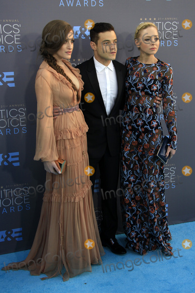 Carly Chaikin Photo - LOS ANGELES - JAN 17  Carly Chaikin Rami Malek Portia Doubleday at the 21st Annual Critics Choice Awards at the Barker Hanger on January 17 2016 in Santa Monica CA