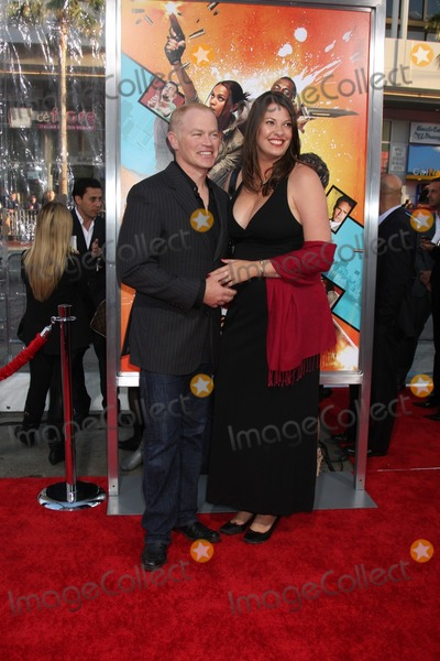 Neal McDonough Photo - Neal McDonough wife Ruvearrives at The Losers PremiereGraumans Chinese TheaterLos Angeles CAApril 20 2010