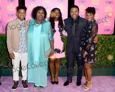Anthony Anderson Photo - LOS ANGELES - MAY 6  N4953athan Anderson Doris Bowman Anthony Anderson Alvina Stewart Kyra And at the VH1s 2nd Annual Dear Mama An Event To Honor Moms on the Huntington Library on May 6 2017 in Pasadena CA