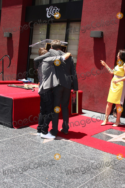 Frankie Muniz Photo - LOS ANGELES - JUL 16  Frankie Muniz Bryan Cranston at the Hollywood Walk of Fame Star Ceremony for Bryan Cranston at the Redbury Hotel on July 16 2013 in Los Angeles CA