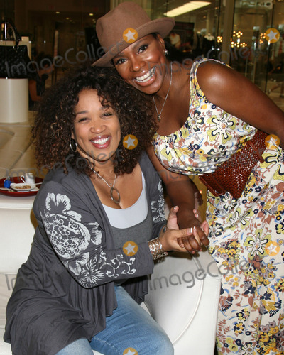 Sheryl Lee Ralph Photo - Kym Whitley  Sheryl Lee Ralph as they are shopping for shoes and purses as the Carmen Steffens store hosts the  Divas Simply Singing ladies at the Carmen Steffens Store at the Westfield Fahion Square Mall in Sherman Oaks  CA onOctober 9 2008