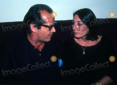 Angelica Huston Photo - FILE PHOTO 1984New York NYJack Nicholson Angelica HustonPhoto by Adam Scull-PHOTOlinknet