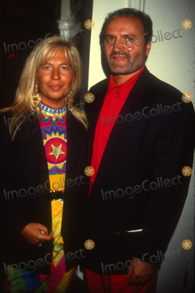 Gianni Versace Photo - Donatella  Gianni Versace6983JPG1990 FILE PHOTONew York NYDonatella  Gianni VersacePhoto by Adam ScullPHOTOlinknetONE TIME REPRODUCTION RIGHTS ONLY813-995-8612 - eMail ADAMcopyrightPHOTOLINKNET