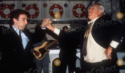 Anthony Quinn Photo - Anthony Quinn1589JPG1981 FILE PHOTONew York NYAnthony Quinn and son dancingto Zorba the GreekhttpPHOTOlinknetPhoto by Adam ScullPHOTOlinknet917-754-8588 - eMail adamcopyrightphotolinknet