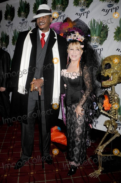 Carmelo Anthony Photo - Photo by Dennis Van Tinestarmaxinccom2011ALL RIGHTS RESERVEDTelephoneFax (212) 995-1196102811Carmelo Anthony and Bette Midler at the 16th Annual New York Restoration Projects Hulaween(NYC)