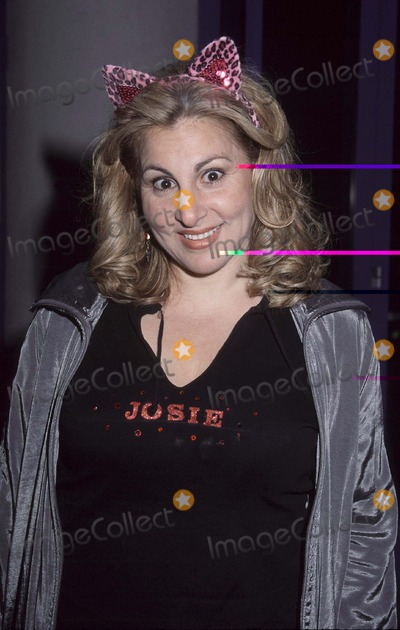 Kathy Najimy Photo - Photo By Russ Einhorn 4_9_01Copyright Star Max 2001_Josie and the Pussycats_PremiereThe Galaxy TheaterHollywood_CaliforniaKathy Najimy