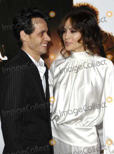 Jennifer Lopez Photo - Photo by Michael Germanastarmaxinccom200612706Jennifer Lopez and Marc Anthony at the premiere of The Pursuit of Happyness(Westwood CA)