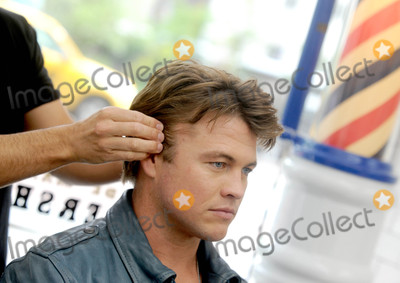 LUKE HEMSWORTH Photo - Photo by Dennis Van TinestarmaxinccomSTAR MAX2017ALL RIGHTS RESERVEDTelephoneFax (212) 995-119651117Luke Hemsworth (HBOs Westworld) teams up with Old Spice to Teach Guys How to Get a HAIR of Confidence in New York City