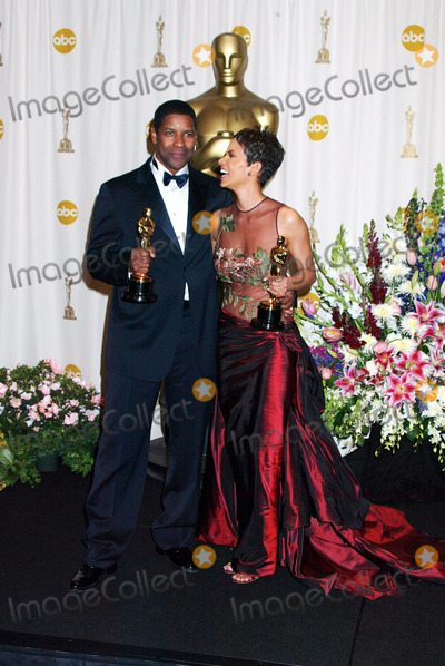 Halle Berry Photo - Photo by Russ EinhornSTAR MAX Inc - copyright 200232402Denzel Washington and Halle Berry in the Press Room at The Oscars ( The Kodak Theater Hollywood Ca )